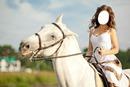 chica con caballo blanco