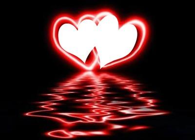 2 coeurs rouge avec reflet sur l'eau 2 photos