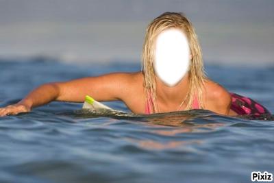 Surfeuse blonde