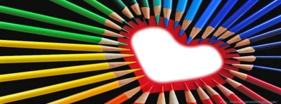 crayon de couleurs en coeur