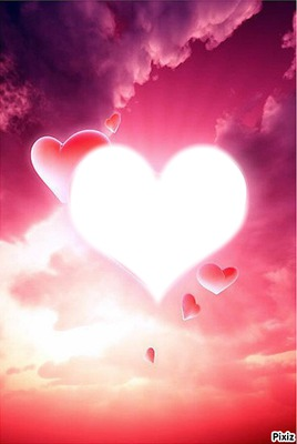 Coeurs  roses dans les nuages
