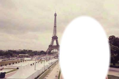 ______ tini .... vos mirando la torre eifell