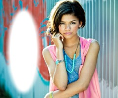 tváš Selena Gomez