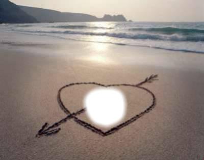 coeur d'amour dessiné sur la plage