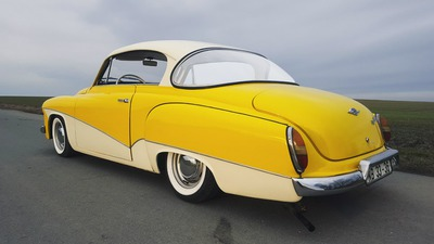 311 Wartburg yellow / white