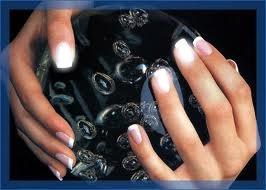 main avec en deco pour vos ongles vos photos