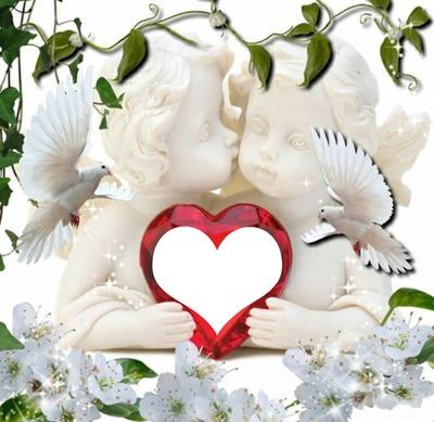 2 anges avec 2 colombes tenant un coeur 1 photo