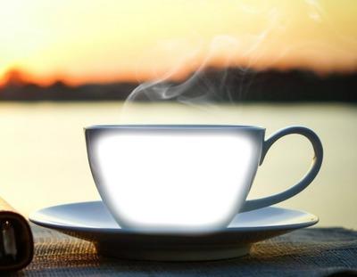 Tasse de café-lever du soleil