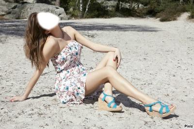 Une fille sur la plage