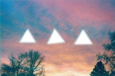 triangles dans les nuages