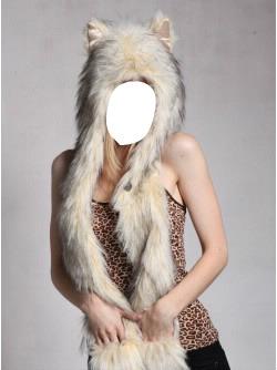 femme au chapeau de fourrure