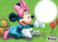 mimi dans son jardin