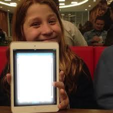 tablet da giulia garcia ana de chiquititas 1 foto