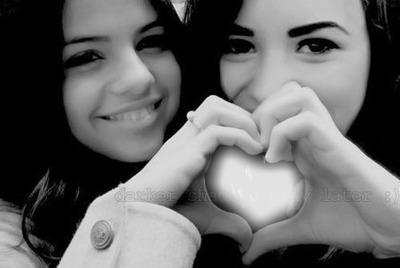 selena gomez and demi lovato heart