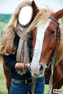 Fille et un cheval